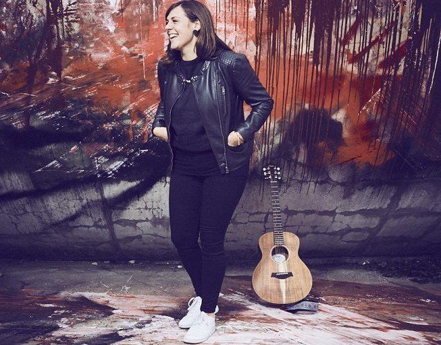 MONI - Bayerische Singer-Songwriterin
